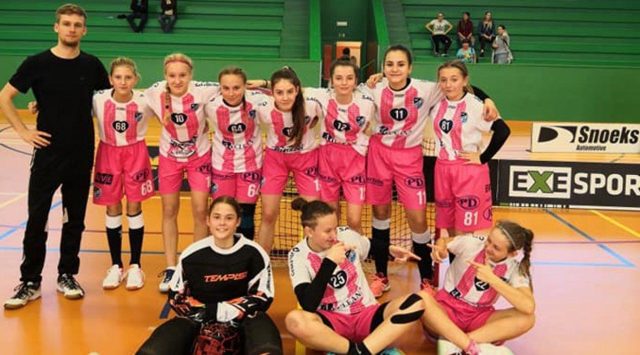 Starší žákyně odehrály první turnaj sezony v Litvínově